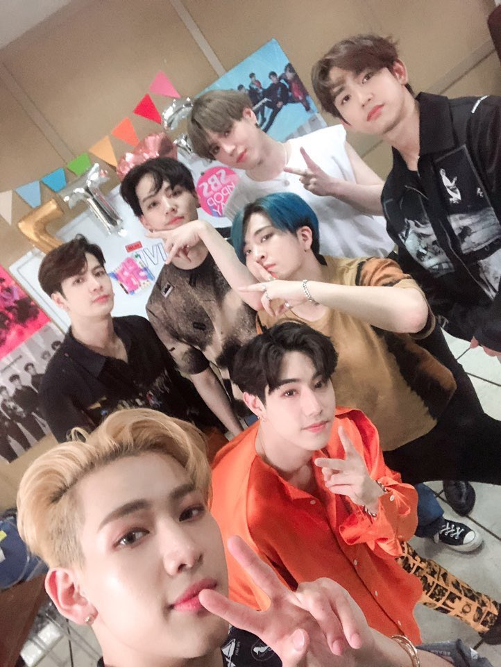 Here is a thread of got7 pictures that will make you soft to cleanse y'alls tls #WeLoveYouGOT7
