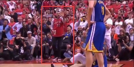 【影片】場外衝突!勇士球迷賽後在多倫多被暴龍球迷群毆,最後被鎖喉!-籃球圈