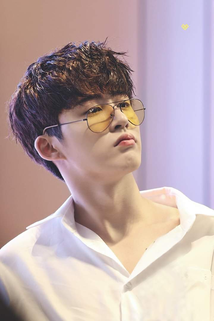 Kim Hanbin don't deserve this. This talented and sweet idol doesn't deserve to lose all of his hardwork just because of a freaking false news. No. :( #iKON #김한빈_탈퇴하지마 <br>http://pic.twitter.com/zAHfwbQTQY
