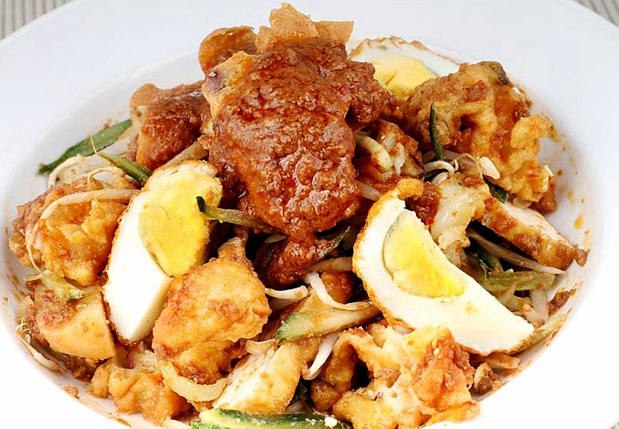 """David Hogan Jr on Twitter: """"4 Malaysian Rojak to try - Indian, Mamak,  Malay, and Chinese Rojak, which can be found all over Malaysia. #food  #MalaysiaTrulyAsia #foodies #TourismMalaysia #travel #Malaysia #eating  #gastronomy…"""