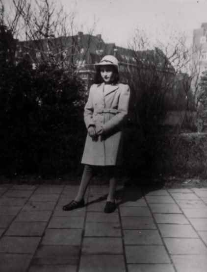 'I want to go on living after my death': read the words of Anne Frank, who would have been 90 today:  http://www. 70voices.org.uk/content/day2     #AnneFrank90 <br>http://pic.twitter.com/5RpIdY6QuJ