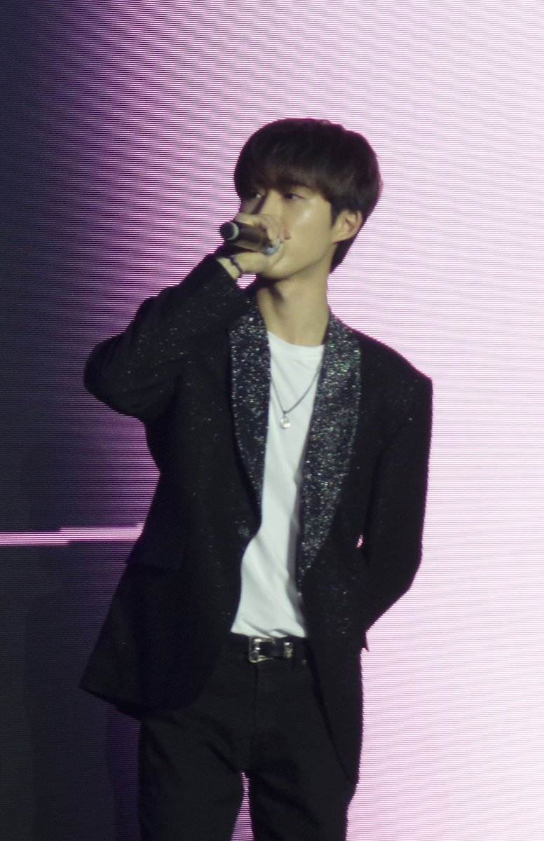"""It's meaningless without you, Hanbin""  iKON needs you, iKONICs loves you.❤️  #김한빈_탈퇴하지마 #iKON #Hanbin"