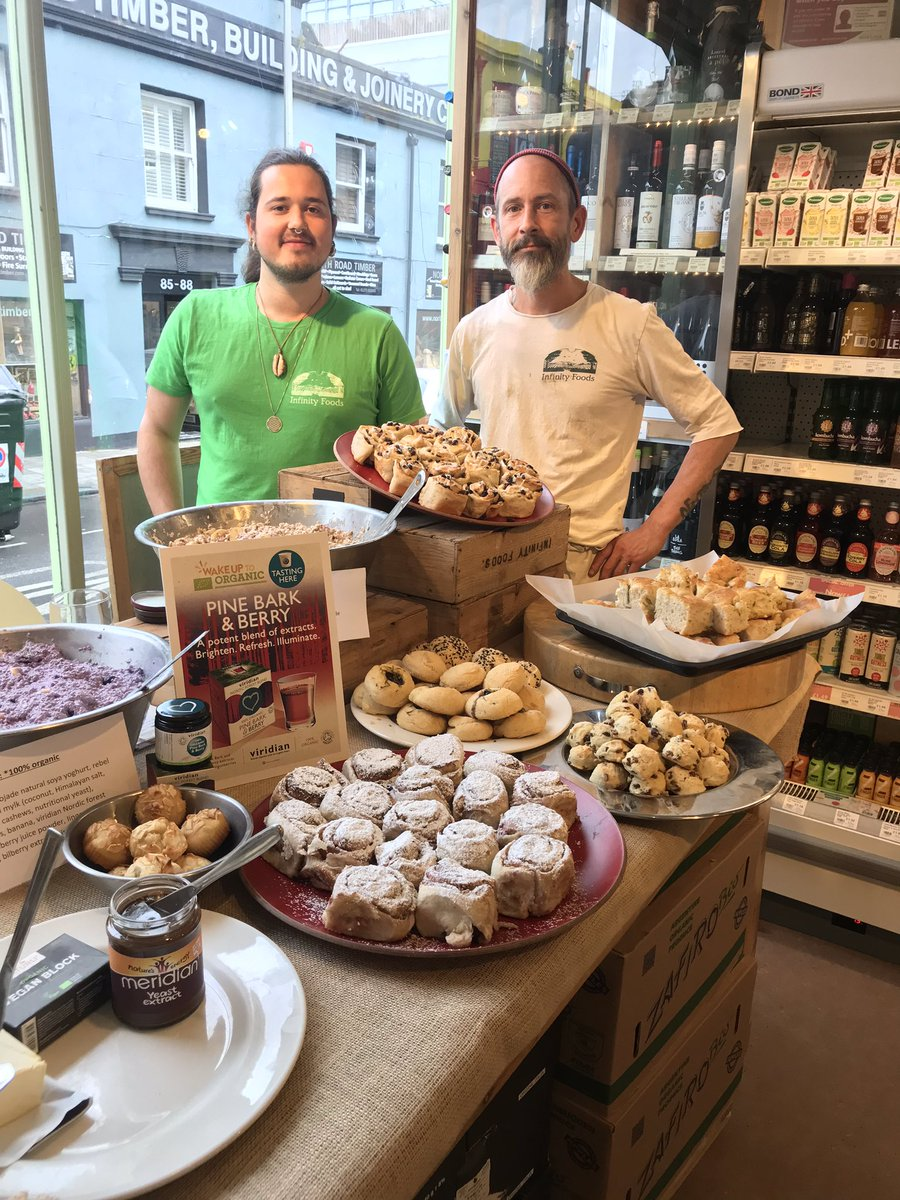 All ready to go at @infinityfoodsw in #Brighton with delicious focaccia, Chelsea buns, overnight oats and a host of other goodies@organicUK #WakeuptoOrganic <br>http://pic.twitter.com/50SF7fC32b