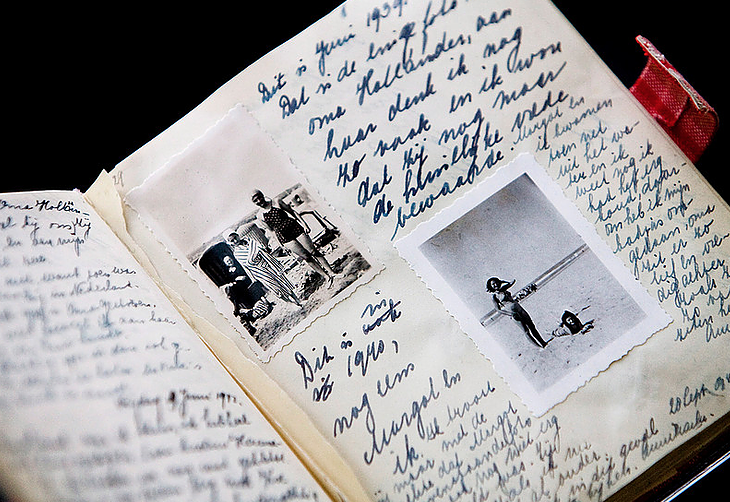 "Anne Frank would've been 90 today, she received her blank diary exactly 77 years ago and I've put together some extracts that you may like.  ""Human greatness does not lie in wealth or power, but in character & goodness.""    https://www. dannydutch.com/post/anne-fran k-quotes-from-the-diary-of-a-young-girl   …  #AnneFrank  #AnneFrank90 <br>http://pic.twitter.com/dSIIqisBwc"