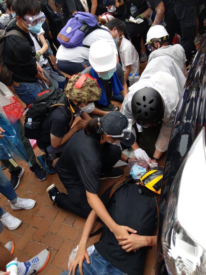 Hong Kong Police shot at protesters!!! Spread the news!