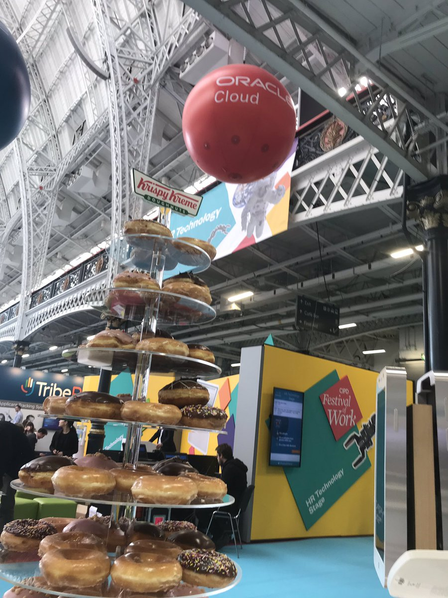 @OracleHCM keeping you fuelled throughout the #CIPD @FestivalofWork - come and grab a doughnut and take the mobile challenge! #oracle #hr #krispykreme