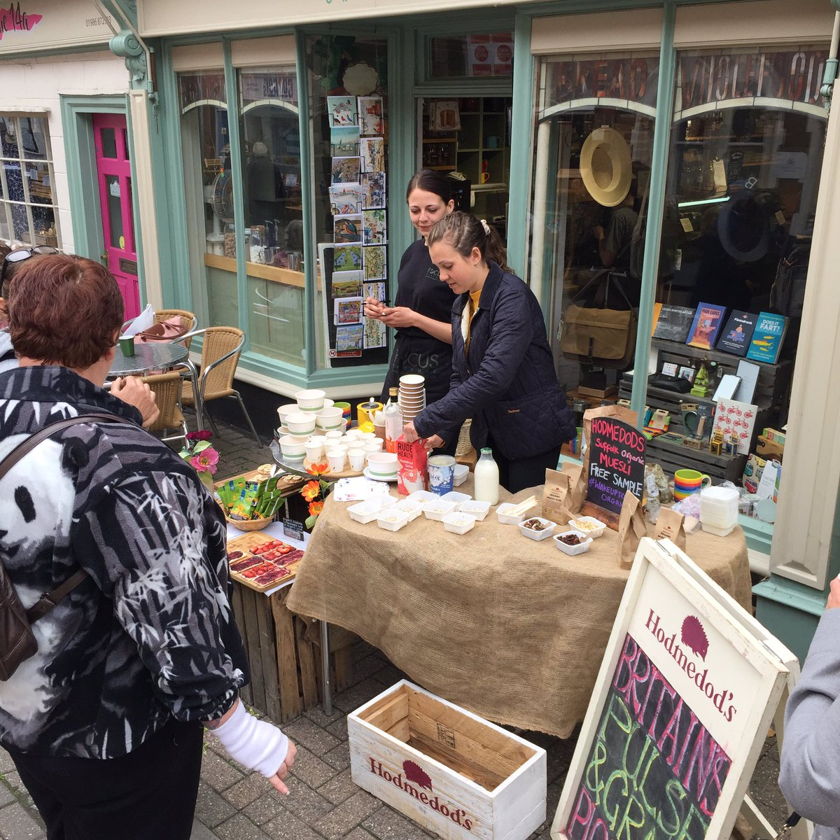 We're down at Focus Organics in Halesworth for #WakeUpToOrganic Why not pop by and get a free mini-breakfast, try our new British-grown muesli base (add your favourite fruit and nuts) and have a chat about all things grain, pulse and seed?!  <br>http://pic.twitter.com/rYkdKozEhZ