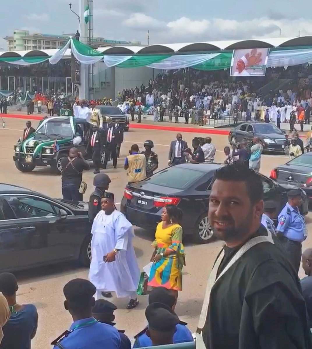 And we are live with His Excellency President @MBuhari as he drives around Eagle Square #DemocracyAt20 #DemocracyDay<br>http://pic.twitter.com/v5o8rsYfNX