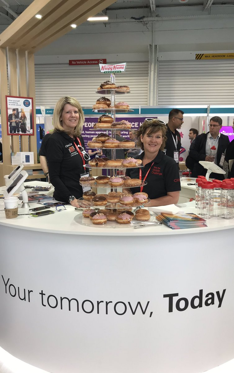 The doughnuts are going down a storm on B130! Come and visit the @OracleHCM stand and take the mobile challenge whilst enjoying a sweet treat! #CIPD @FestivalofWork