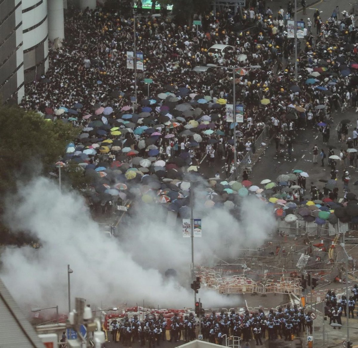 The enormity of the crowds in #HongKongProtests and the police crackdown in response so close to the 30th anniversary of #Tiananmen should not be missed. Hong Kong remembers and so does Beijing.