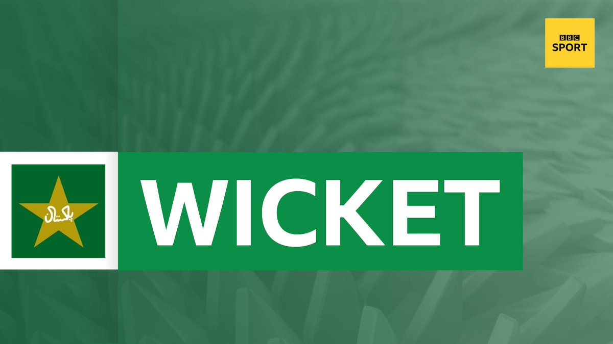 WICKET!Warner's innings is all over. It's another one high in the air but Imam ul-Haq is under it and safely holds on. Out for an excellent 107 off the bowling of Shaheen Afridi. Aus 242-4. Live: https://bbc.in/2Ibbe1Z#bbccricket #CWC19