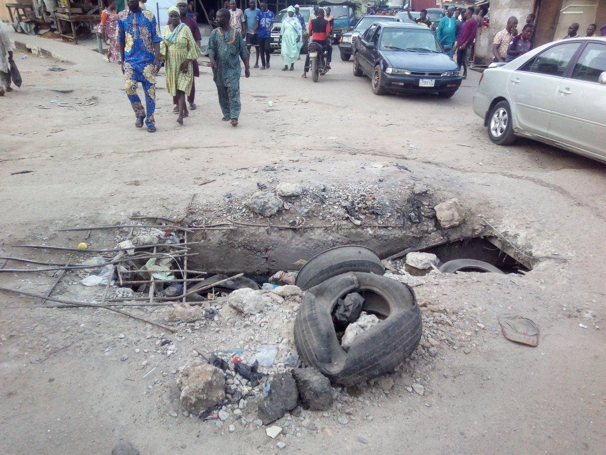 Fix lagos roads and drainage @jidesanwoolu #DemocracyDay #swl #DemocracyAt20 #TakeItBack <br>http://pic.twitter.com/2RJiD9xWW6