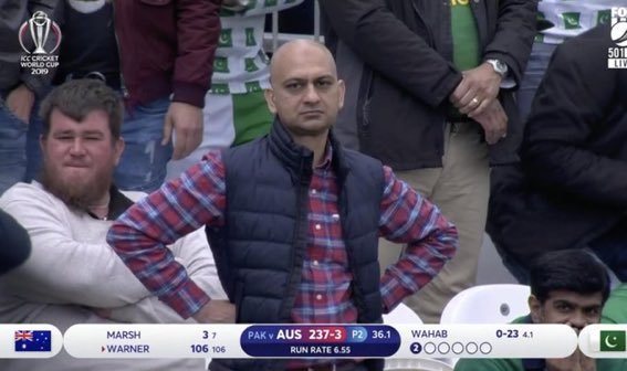 When you are there for a match but become a meme instead.#PAKvAUS