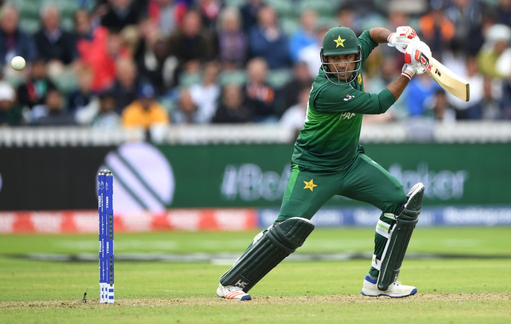 Wahab and Sarfaraz are putting on quite a show at the moment. 63 needed from 53 balls.What do Australia do to break up this partnership? Live: https://bbc.in/2Ibbe1Z#bbccricket #CWC19