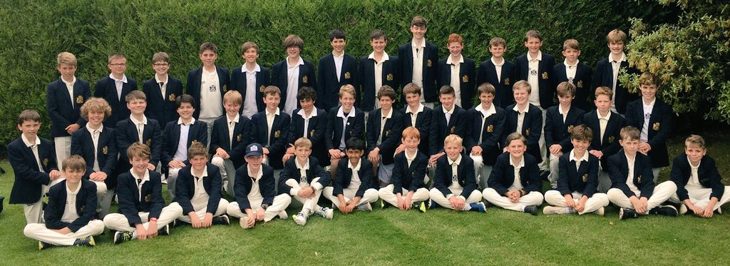 Ready for the encounters at @DauntseysSchool.  Four teams from Year 7 and 8 anticipate a dry, warm afternoon of cricket...(!) @SportBeechen