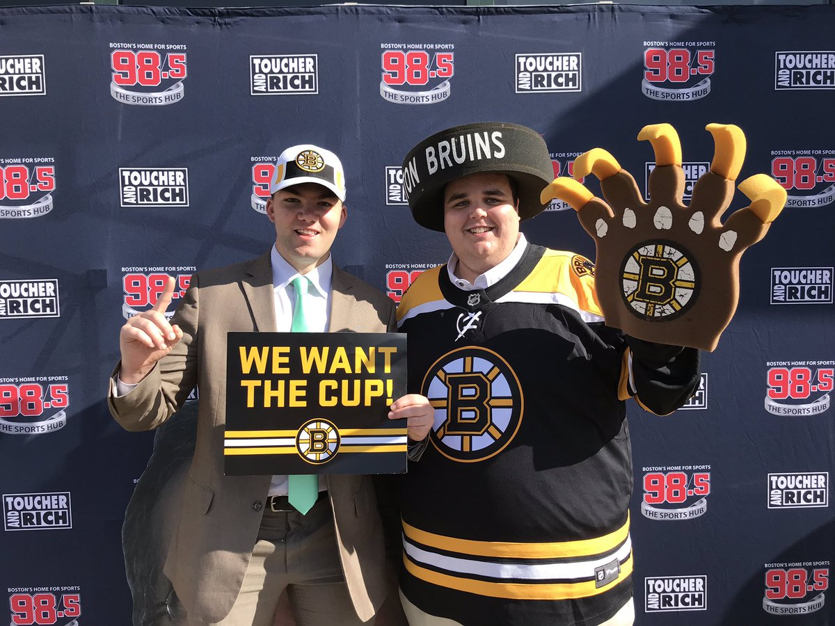 Awesome to see @Toucherandrich this morning for the Game 7 Chaos contest, didn't win but still had a great time. Congrats to @Pasta_Joe24 cousin for winning the tickets. Go Bruins #StanleyCup#Game7Chaos