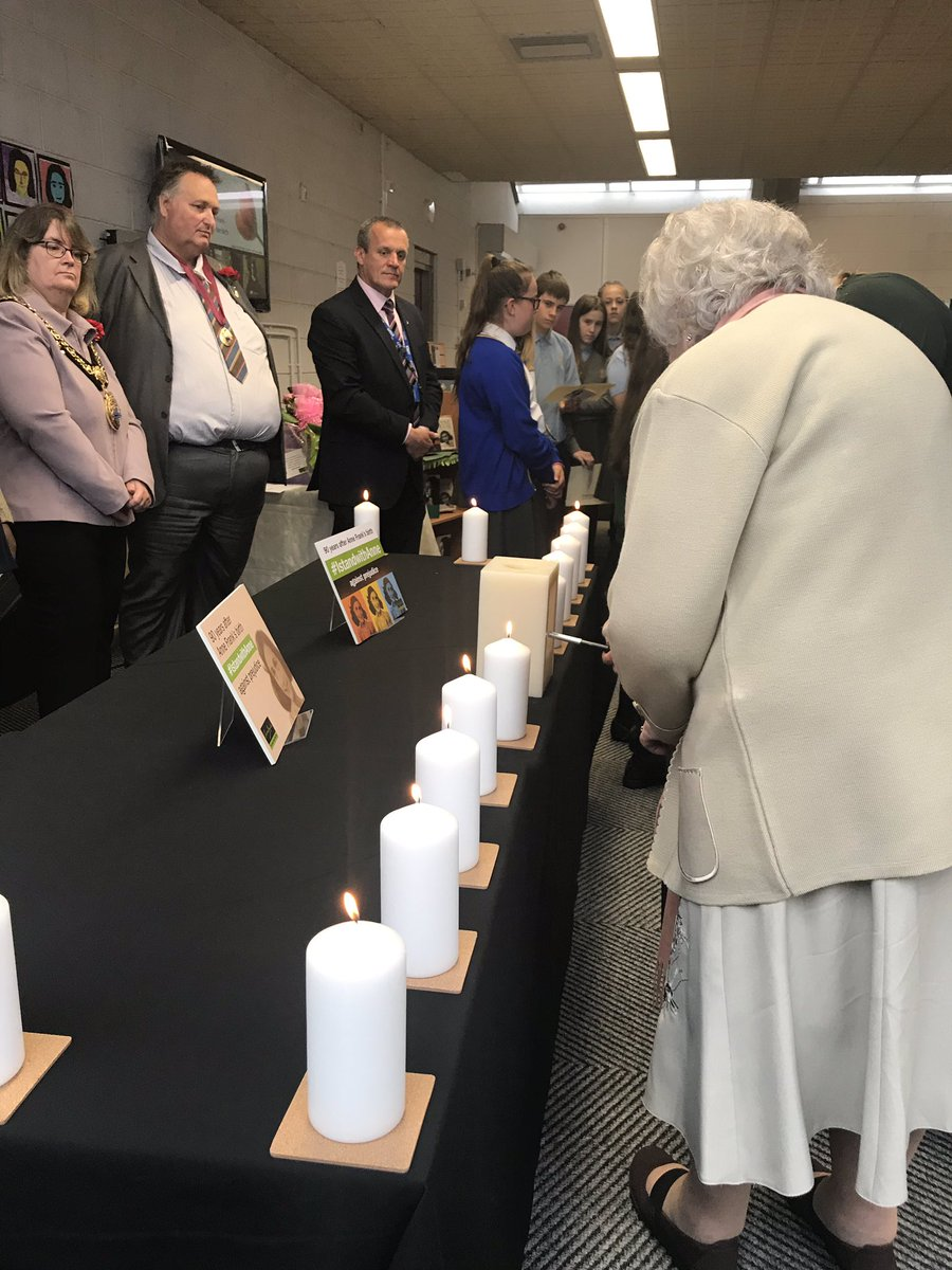 Proud to be a part of this morning's celebration event @STHLibraries on what would have been #AnneFranks 90th birthday. Lighting 15 candles to represent her short life we remember the young girl who left an amazing legacy to unite against all prejudice and hatred #IStandWithAnne <br>http://pic.twitter.com/hUOp8ZV5T0