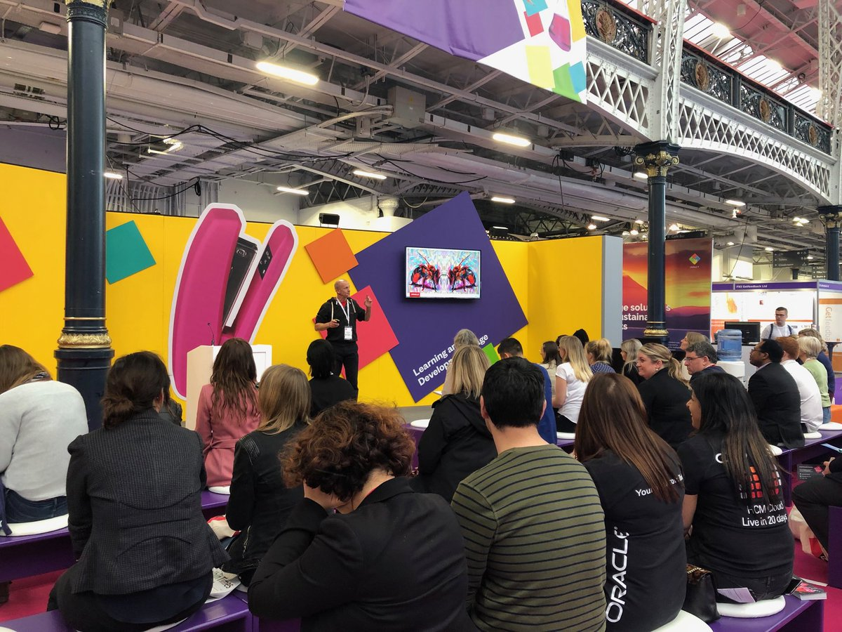 Full house for our HR for Bees session - so interesting come along if you're at @CIPD #festivalofwork @OracleCloud