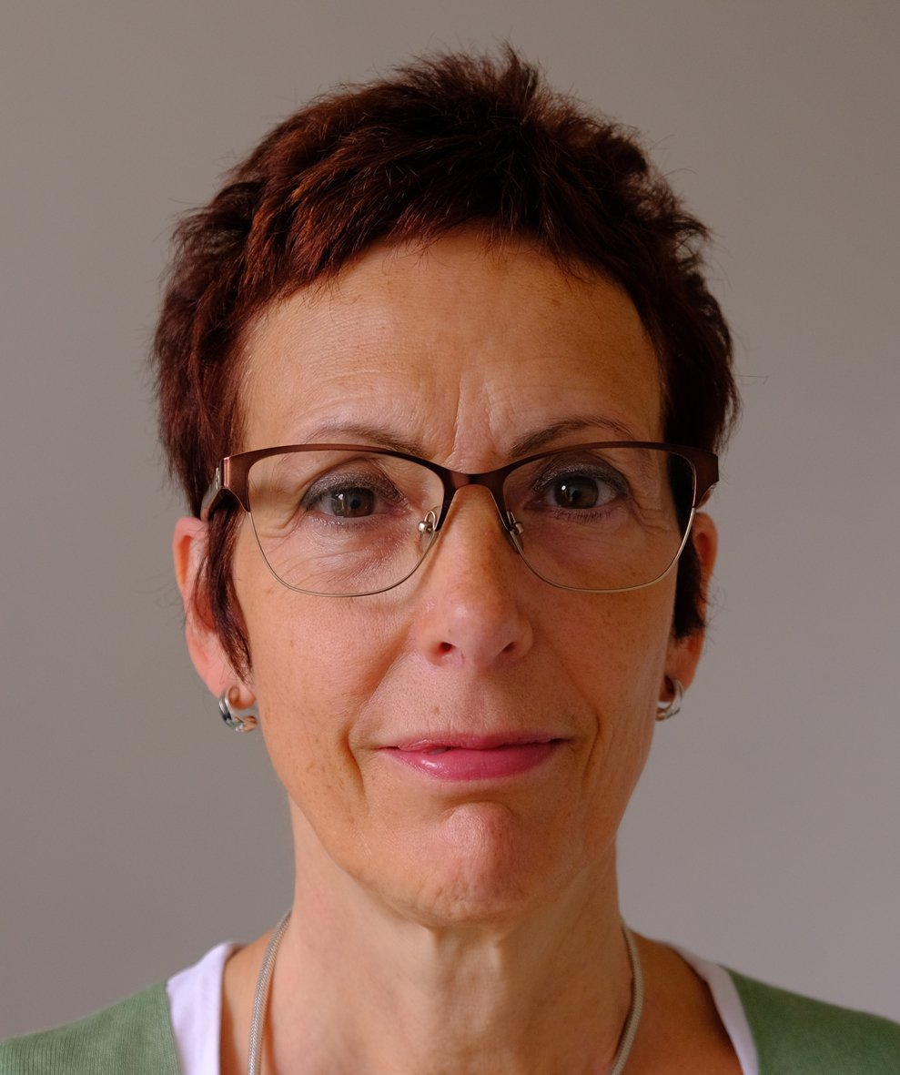 #KeynoteSpeaker Christine Orengo is professor of Bioinformatics at the University College London @UCL and will give her keynote talk at #AdvCompBio. Will you miss it?   https://www.iscb.org/advcompbio2019
