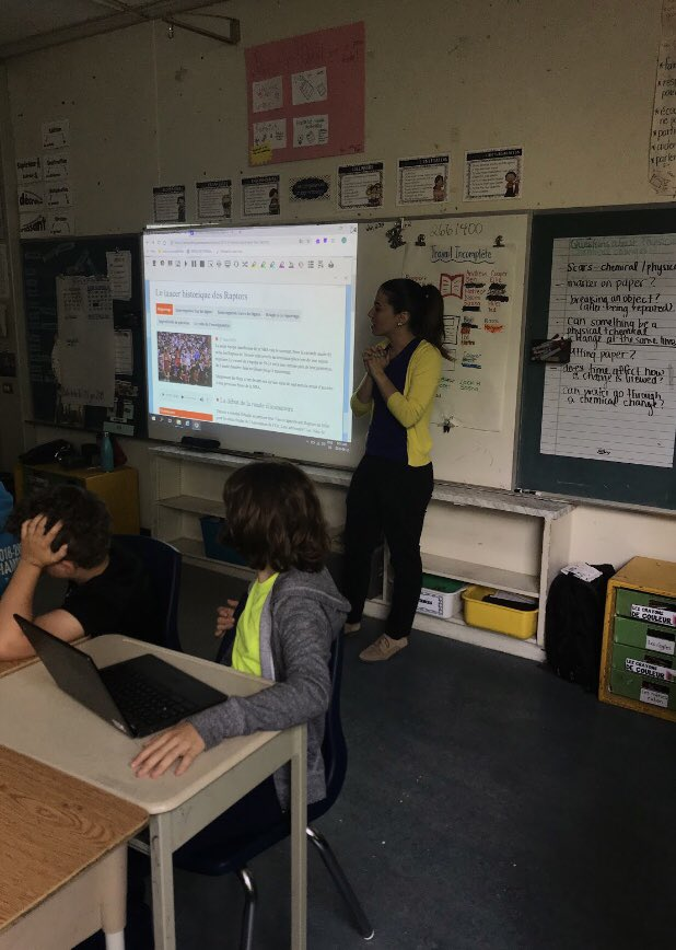 Collaborating with @mrs_ramson to learn about Assistive Technology! Area 43 used Read&Write to read an article on Info-jeunes and collect highlighted information in order to respond to comprehension questions. Thank you Ashleigh! <br>http://pic.twitter.com/cQBQhfYcS1