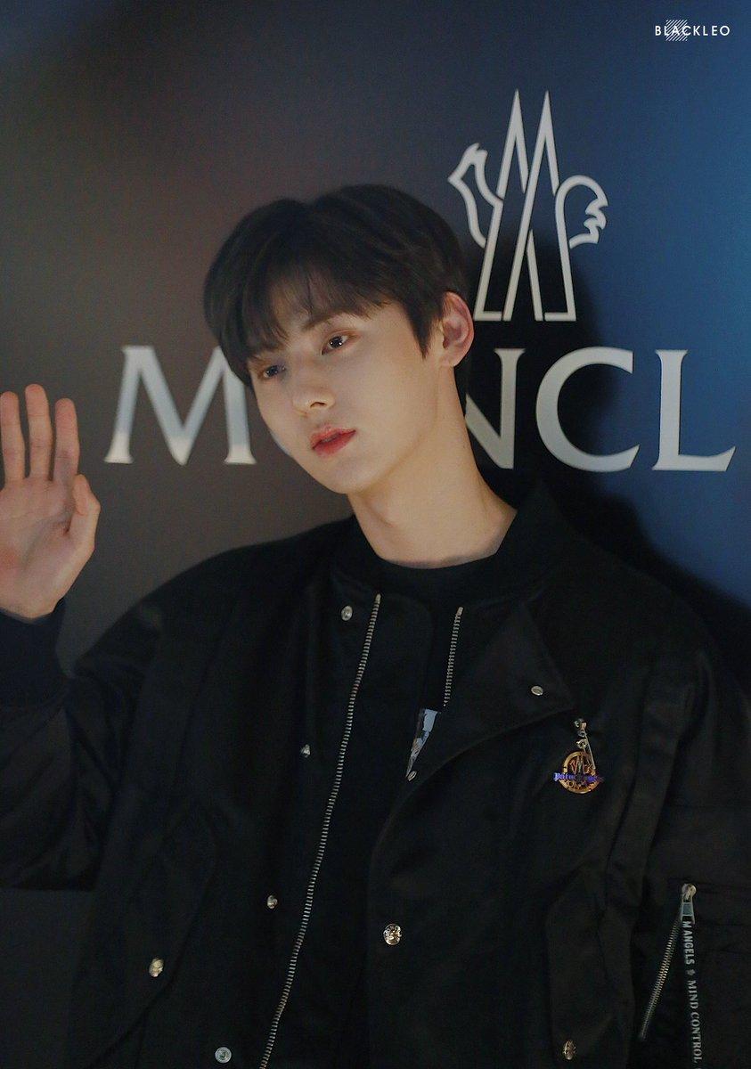190611  eyes have stars  #황민현 #민현 #hwangminhyun #minhyun <br>http://pic.twitter.com/SIlyu1jonS