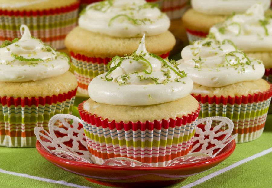 Key Lime Cupcakes: The taste of Key Lime Pie in a portable, no utensils needed cupcake form! https://t.co/xD9DHsuJsY https://t.co/VS5cj3IsxN
