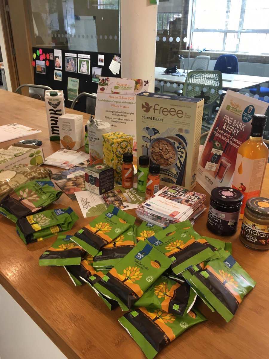 Thanks for the delicious #WakeUpToOrganic treats, kept @friends_earth staff going today! #FeedYourHappy<br>http://pic.twitter.com/QxsFQgafsy