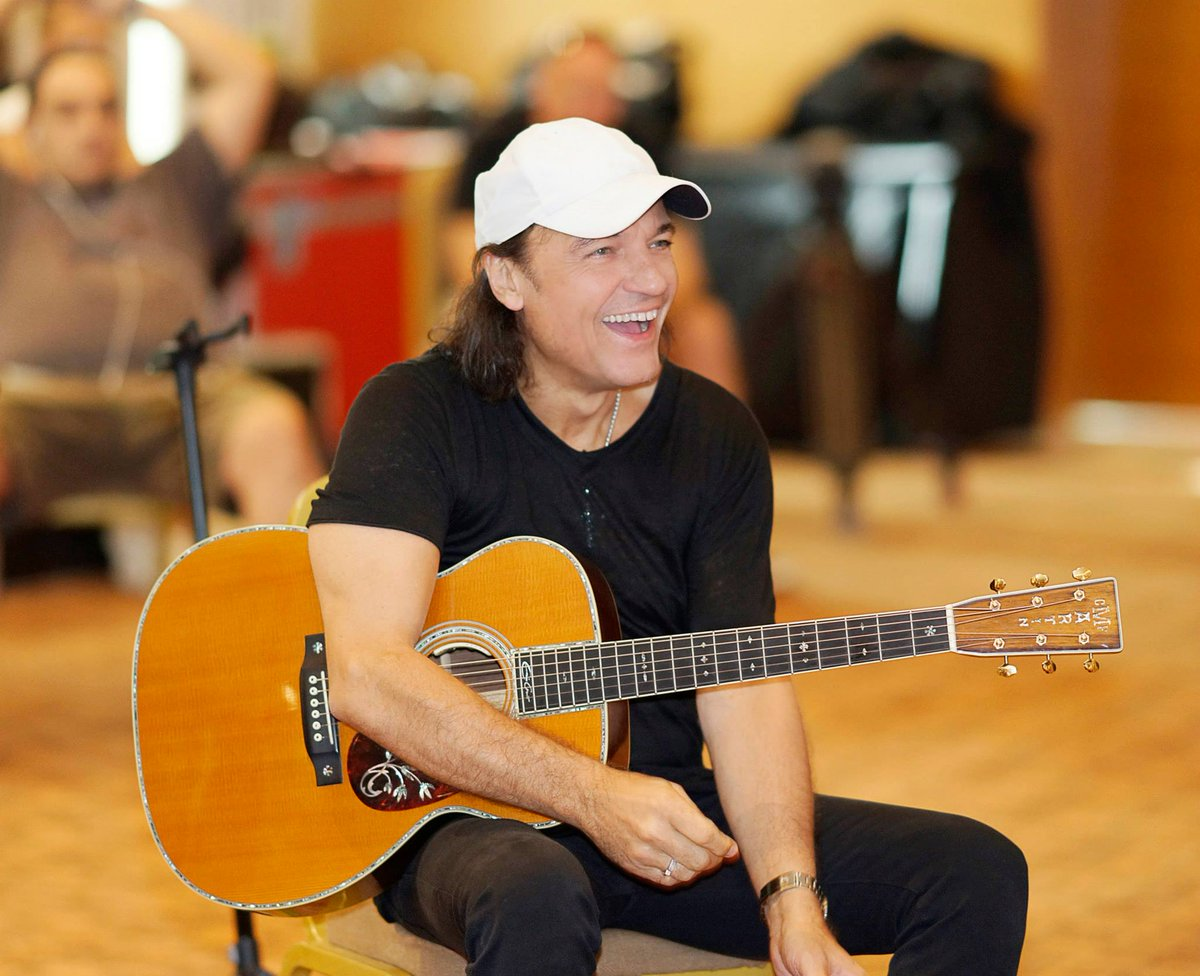 "#WednesdayWisdom: ""...you need to be able to refresh your style, and I think the SCORPIONS have done that over the last couple of years, that we don't sound like an old band... like an oldies band, but we sound fresh from today...""  – MATTHIAS JABS <br>http://pic.twitter.com/y1ORHJeaJo"