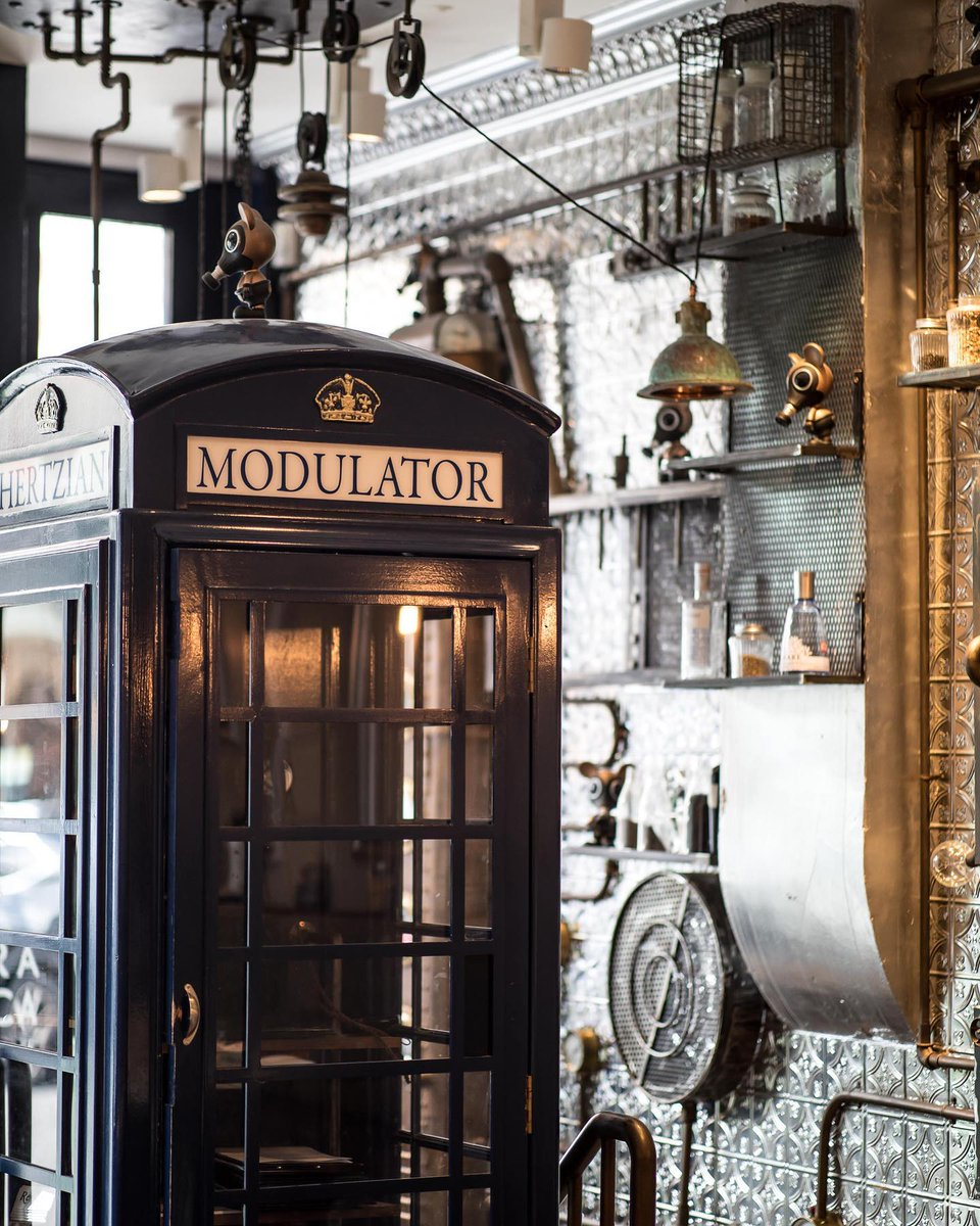 #Design Awesome of the Day: #Steampunk-ish ⚙️ Telephone📞 Box at @Flora_Indica Lounge Bar🍸 Dining 🍽️ in #EarlsCourt #London #UK 🇬🇧 #SamaPlaces 🗺️ #SamaDesign