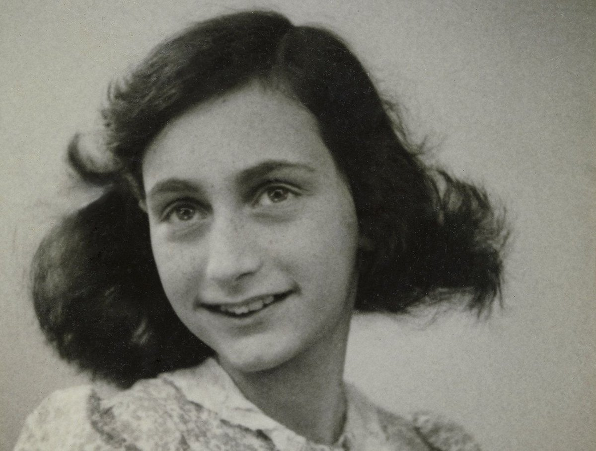 Anne Frank would have turned 90 years old today. #AnneFrank90 More on her diary which contains her innermost thoughts and painfully honest observations:   https:// buff.ly/2wMbzBQ    <br>http://pic.twitter.com/sPoXAVmqv4