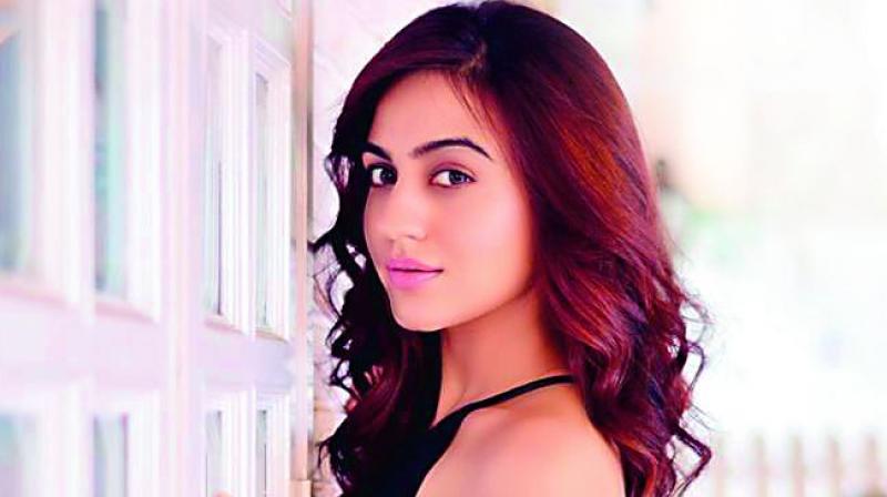 Aksha Pardasany returns to lead roles #AkshaPardasany #Entertainment #Tollywood https://www.imagesgirls.com/2019/06/aksha-pardasany-returns-to-lead-roles/…