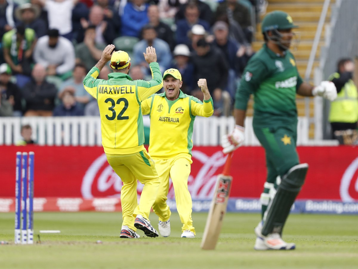 #WC2019WithTimes #CWC2019 #ICCWorldCup2019 #AUSvPAK #CWC19@davidwarner31 century powers Australia to 41-run win over Pakistan Match Report 👉http://toi.in/G5A9_Y/a24gk