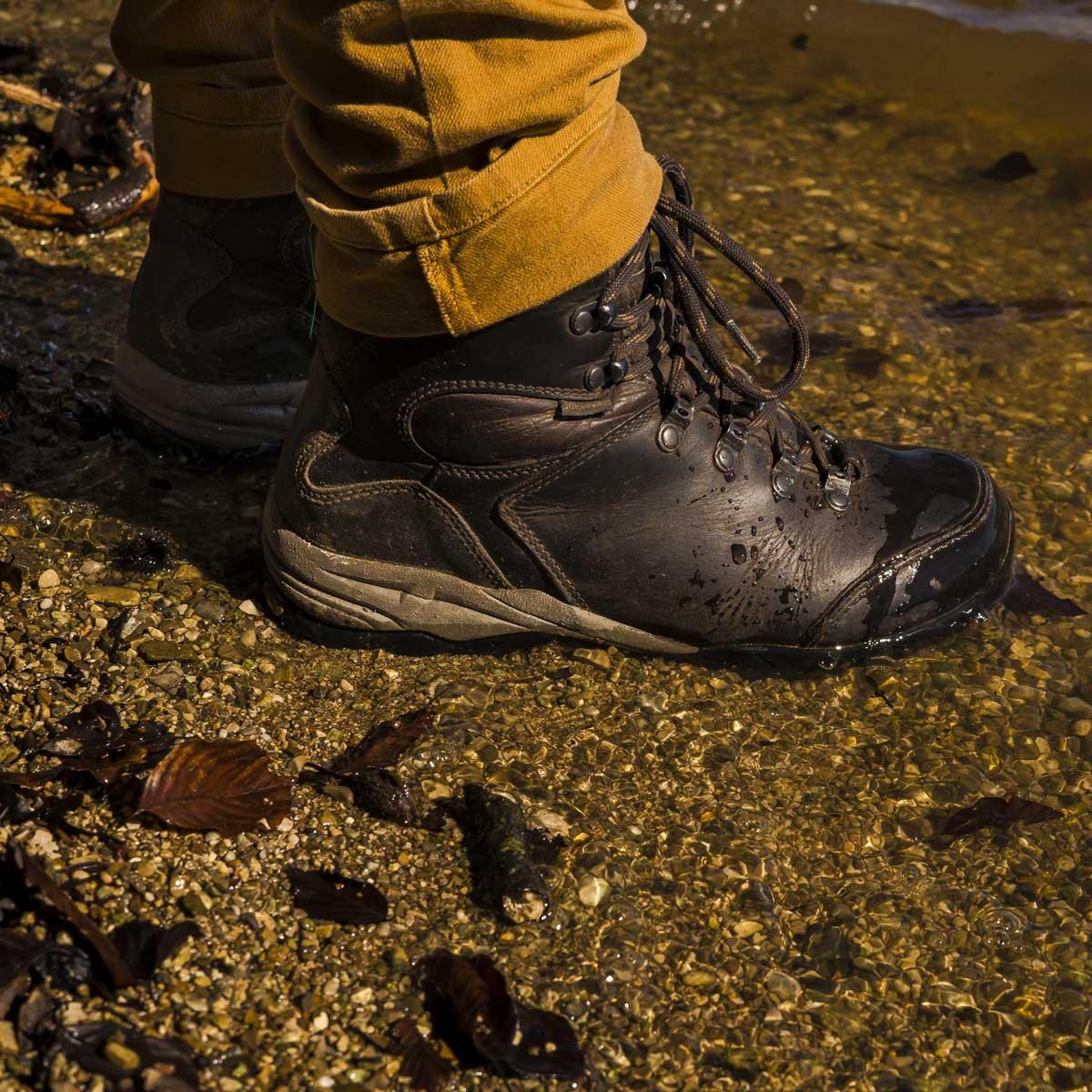 9fed6347f7ea5 Check out the updated guide about hiking footwear on Camotrek at https://bit
