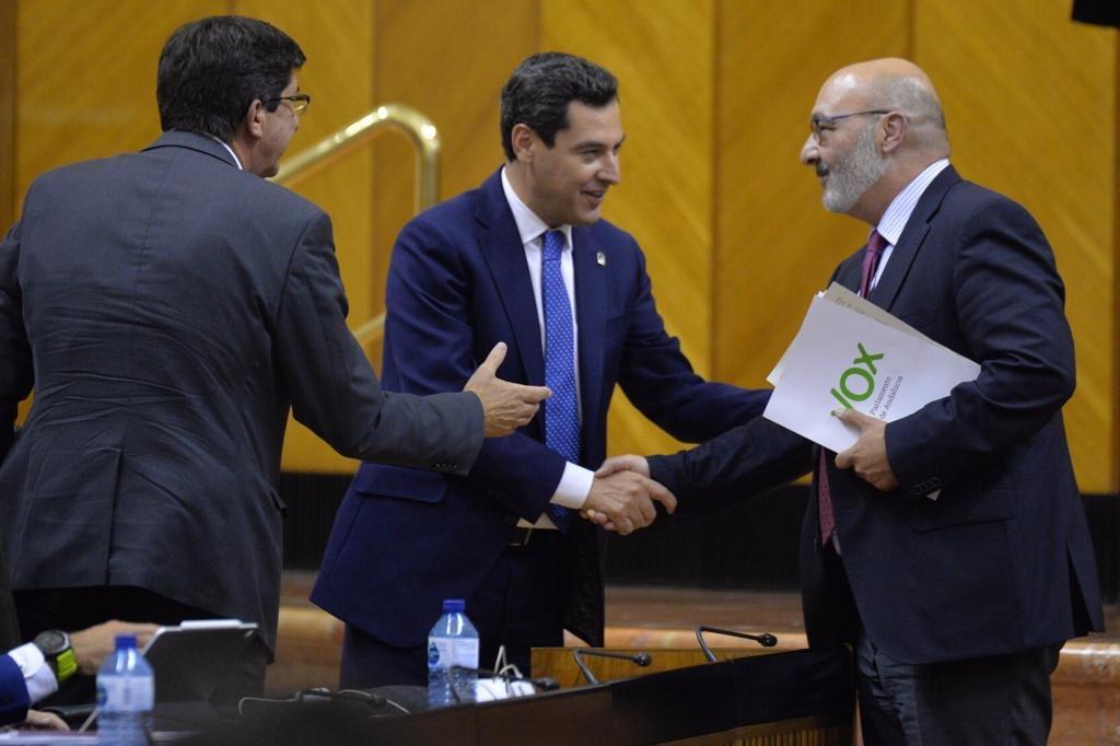 Hoy es un día importante para #Andalucía y para todos los andaluces. Los presupuestos más sociales de la historia han superado la enmienda a la totalidad y siguen su camino. Quiero agradecer a los grupos que lo han propiciado su responsabilidad y altura de miras.