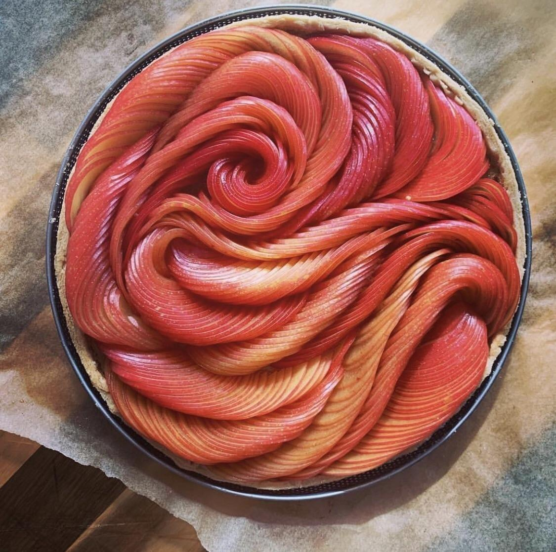 French chef Amandine Chaignot's tarte aux prunes is a true thing of beauty   © Amandine Chaignot <br>http://pic.twitter.com/SUsNHlP9ME