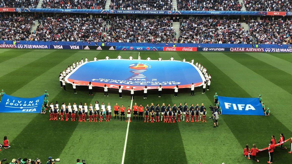 En direct du stade de l'@AllianzRiviera à #Nice06 pour le match France-Norvège ⚽️ Allez les bleuessssssss ! #ILoveNice #FIFAWWC #FRANOR #FieresDetreBleues