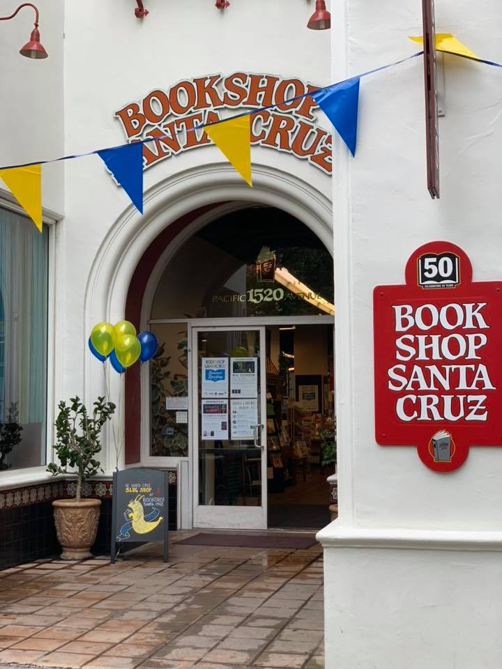 Congrats to @BookshopSC! This beloved indie bookstore partnered with UC Santa Cruz to open a store within their store, the UCSC Slug Shop! 🥳 It features university items and the famous Banana Slug mascot.