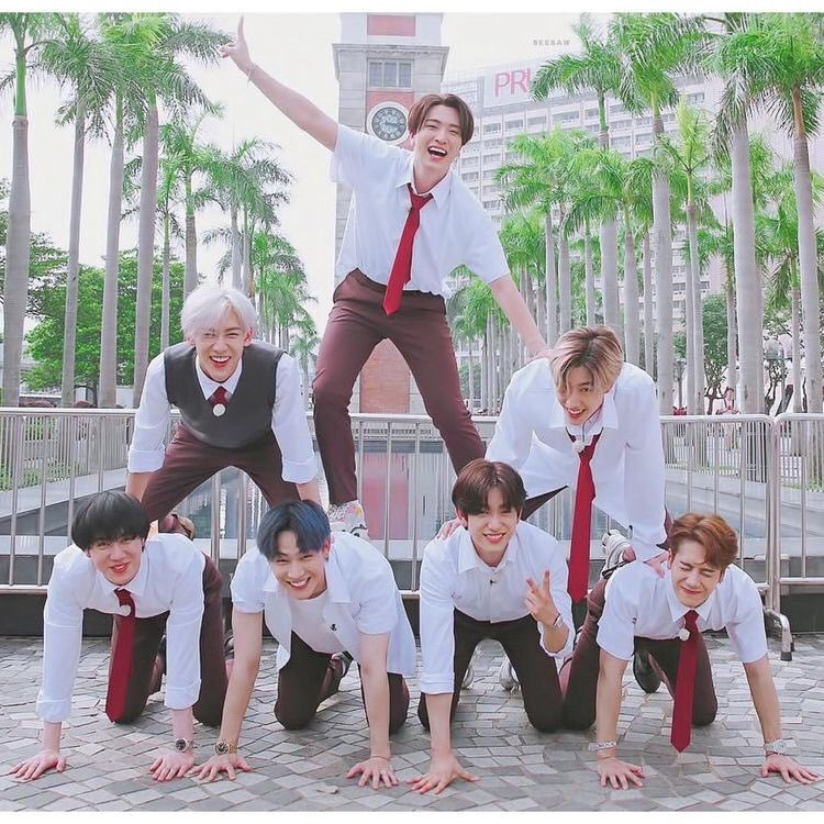 bruh stop hating on got7. they work so hard, put their blood, sweat and tears into their work. you guys should appreciate them more. #WeLoveYouGOT7