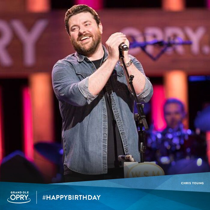 """Think we'd skip out on wishing #OpryMember @ChrisYoungMusic a happy birthday? """"AW NAW!"""" <br>http://pic.twitter.com/tF4LNlba2h"""