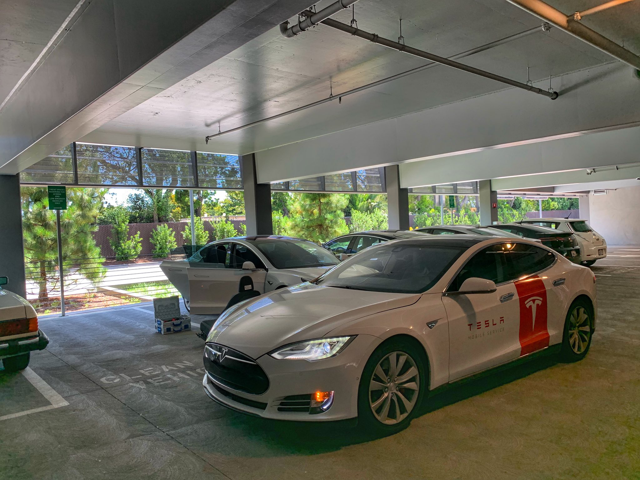 Tesla Raj On Twitter Hi Raj This Is Tesla Mobile Service We Wanted To Take Care Of Your Service Appointment You Made On The App What Time Works Best For You