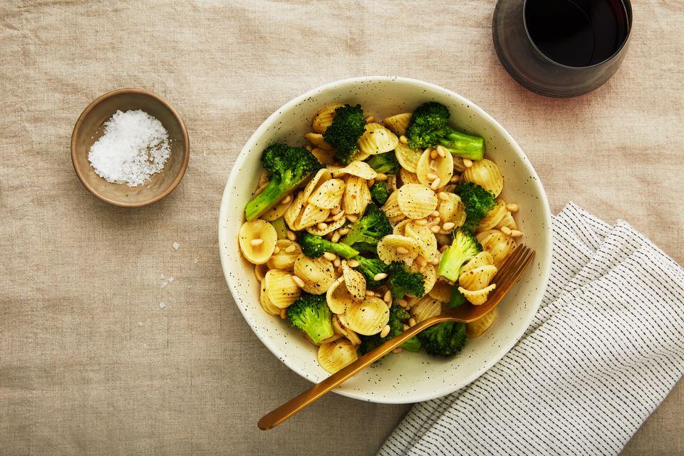 #Vegan 🍋 Lemon Pasta With Pine Nuts & 🥦 Broccoli Recipe - https://t.co/2O8EZUNp2p https://t.co/jDslowtJVp