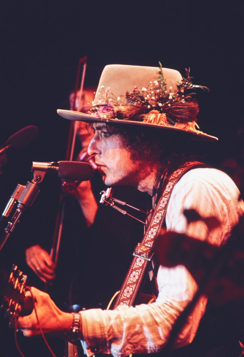 My latest for @NBCNews @NBCNewsTHINK: @Netflix and #MartinScorsese's #RollingThunderRevue is peak @BobDylan  https://www. nbcnews.com/think/opinion/ netflix-martin-scorsese-s-rolling-thunder-revue-peak-bob-dylan-ncna1016946  … <br>http://pic.twitter.com/ZbhJnYWkqZ