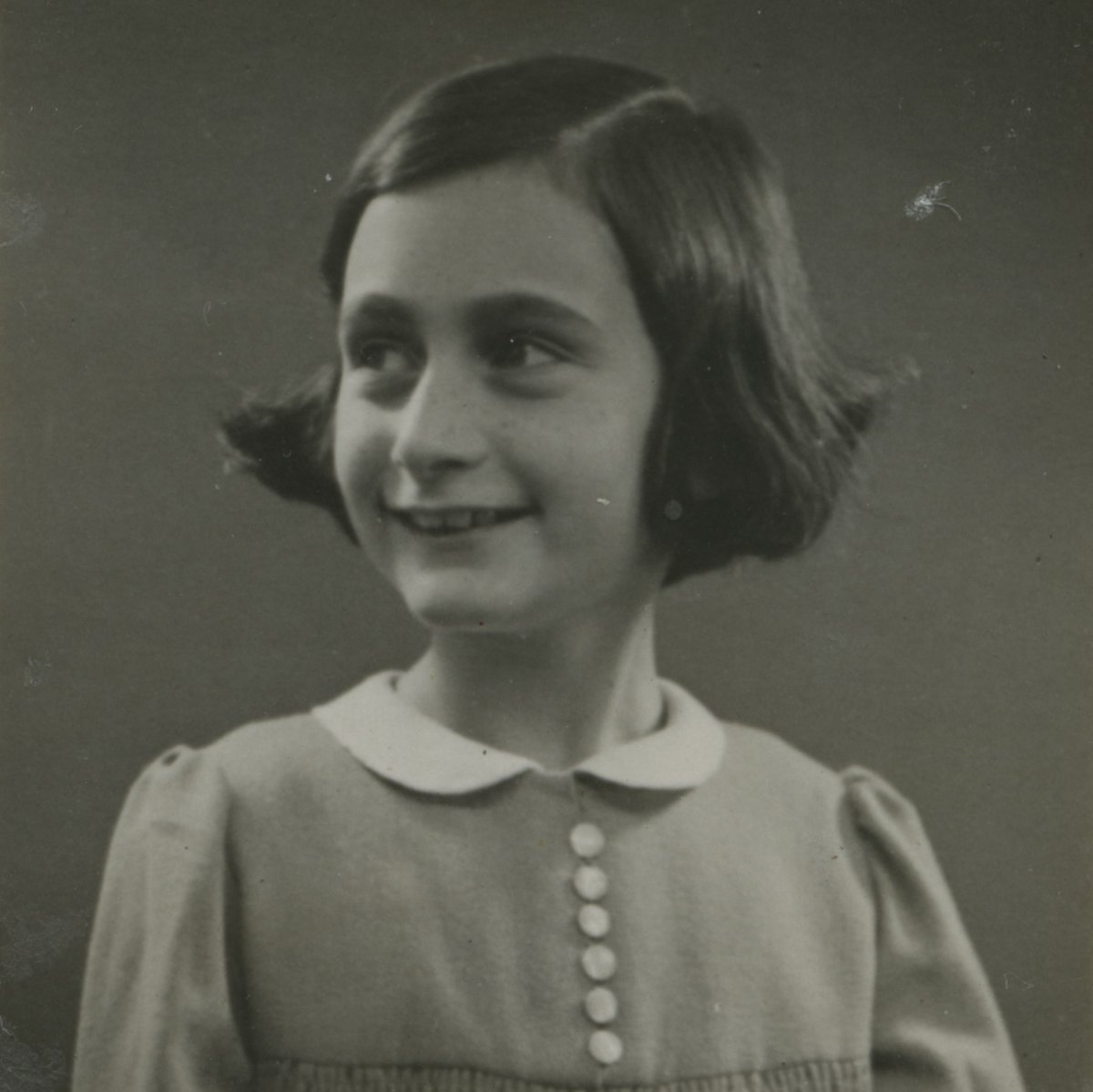 """""""In the long run, the sharpest weapon of all is a kind and gentle spirit.""""—#AnneFrank #Anne90"""