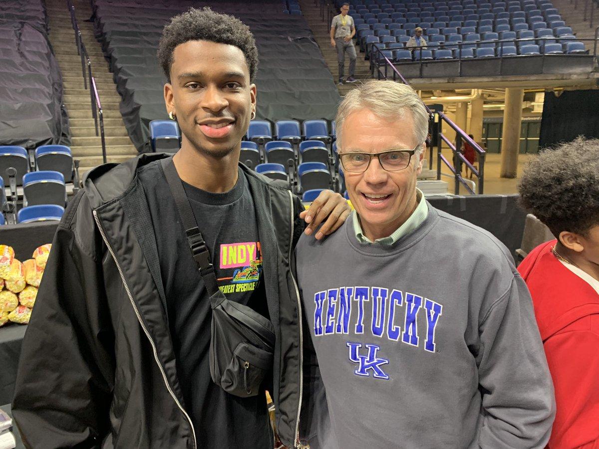 The rumour was true. Former @KentuckyMBB star @shaiglalex did make it to the @HM_HoneyBadgers @CEBLeague game tonight. He had a fantastic rookie @NBA season making #HamOnt proud!!! https://twitter.com/HM_HoneyBadgers/status/1138789117523824642…