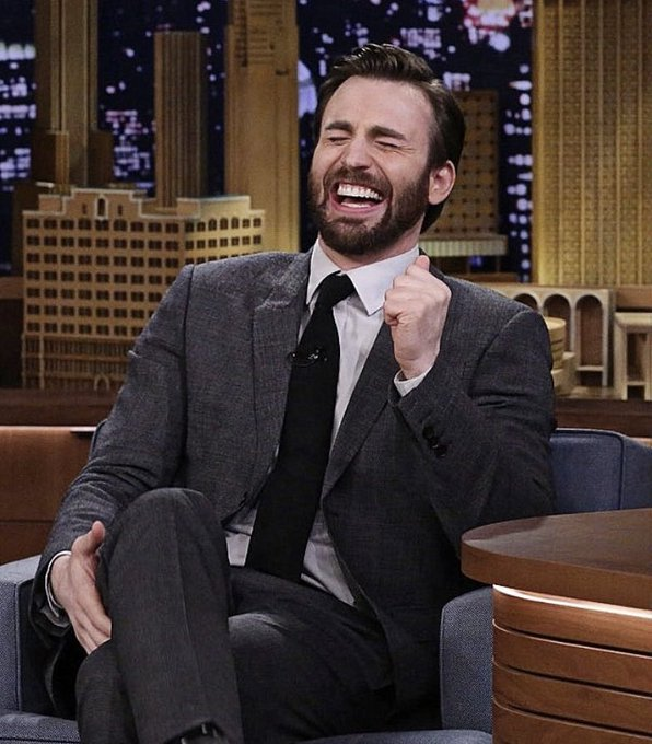 Happy birthday chris evans,, i love you with my WHOLE SOUL