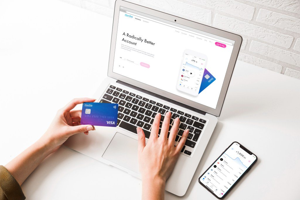 Revolut launches in Australia as a beta release https://tcrn.ch/2IxwVYU  by @romaindillet