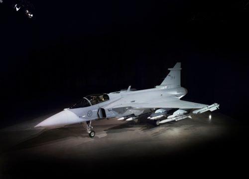 سويسرا تريد شراء مقاتلات جديده ........... D867Q8UV4AAcEcC