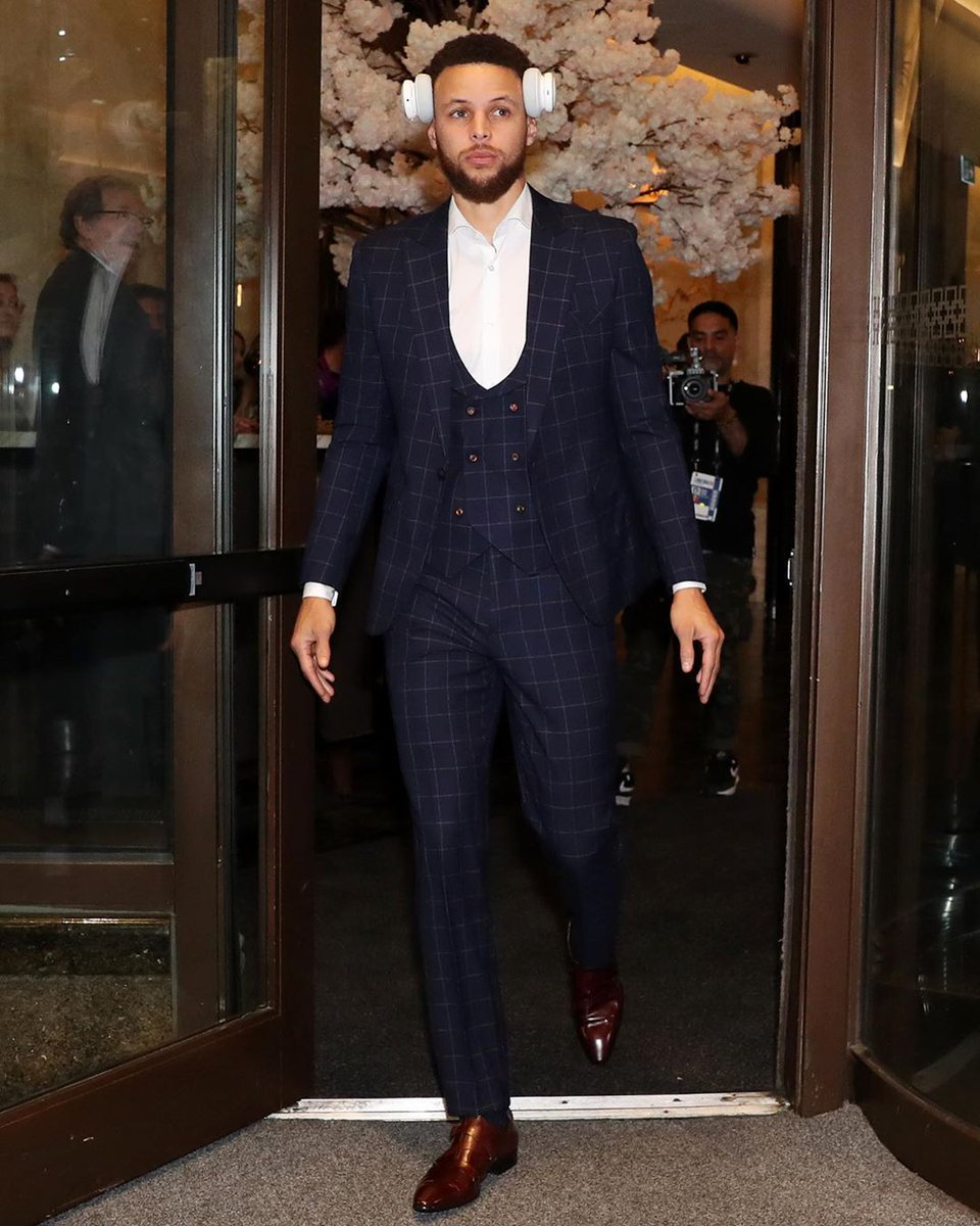 """8caae218 Join 12 people right now at """"Stephen Curry wears a Custom Eaden Myles  Suit"""