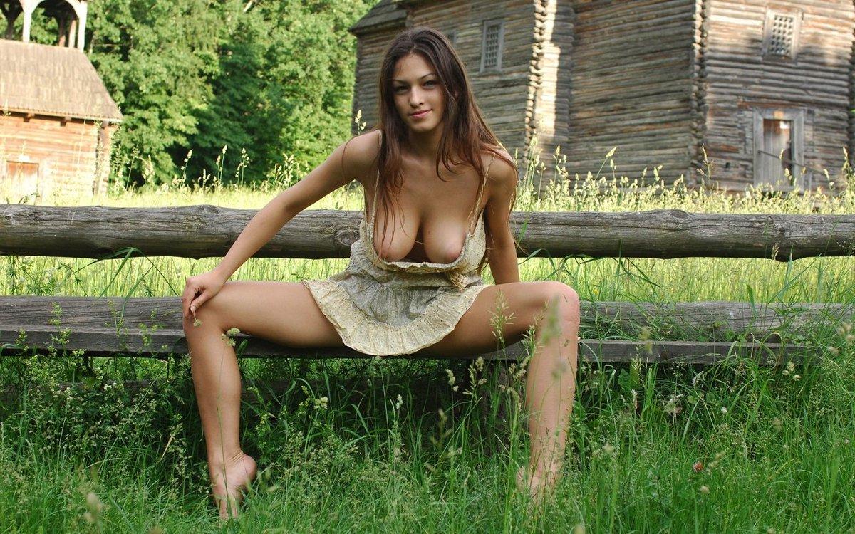 Качественное фото большой груди на даче порнуха жесткая