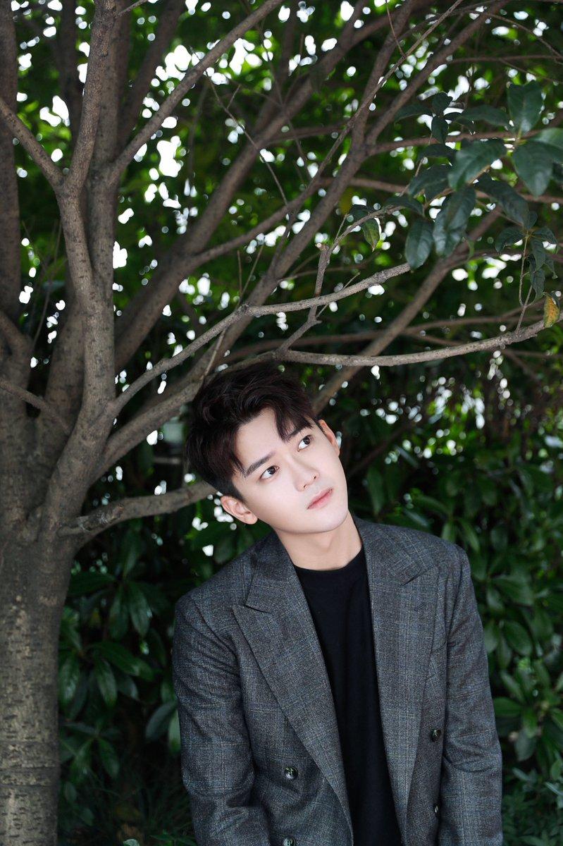 [190611] SpeXial-Dylan (1)  มีคนเอาความหล่อมาเสิร์ฟด้วยลุคนี้ สำหรับการไปร่วมงานของ Tencent เมื่อวานซืนค่ะ ในฐานะนักแสดงนำ Pretty Man 2 หล่อมากจริงๆ ดีแลนของพวกเรา😍😍😍  #熊梓淇 #DylanXiong #XiongZiQi #สงจื่อฉี #SpeXial #Dylan #ดีแลน #จื่อฉี  #SpeXialThailand #1CM领誉 https://t.co/31EyVCVYXk